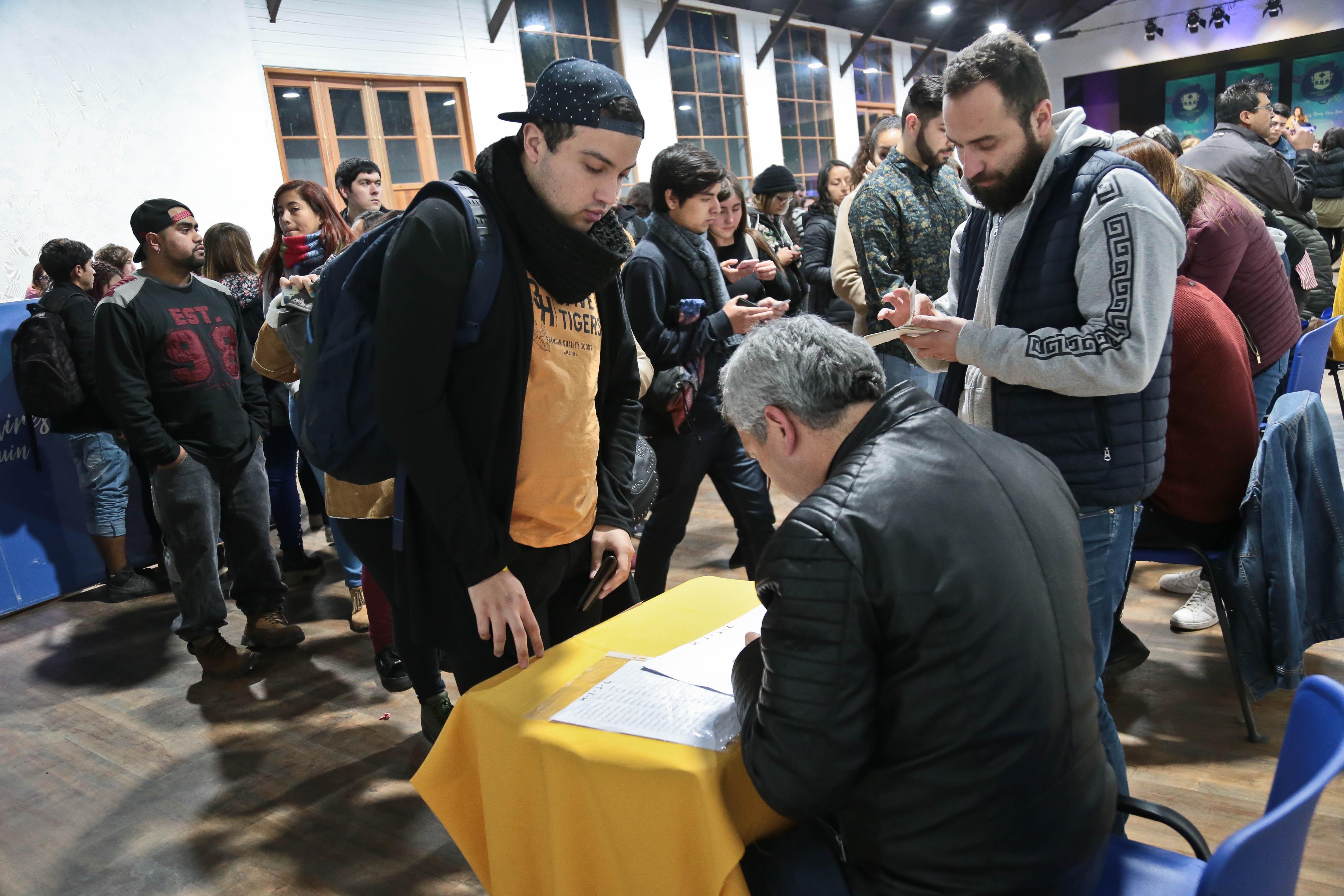 350 BECAS DE $100.000 PARA ESTUDIANTES DE EDUCACIÓN SUPERIOR RESIDENTES EN BUIN